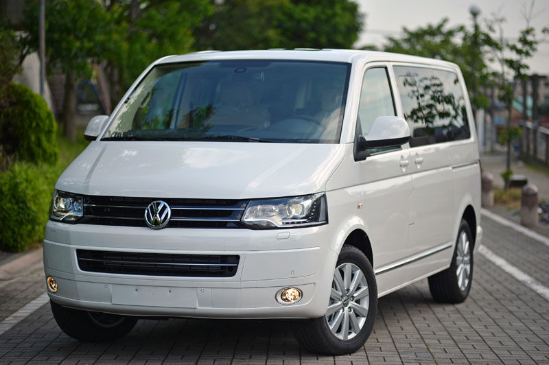 VW Crafter van Rental Warsaw