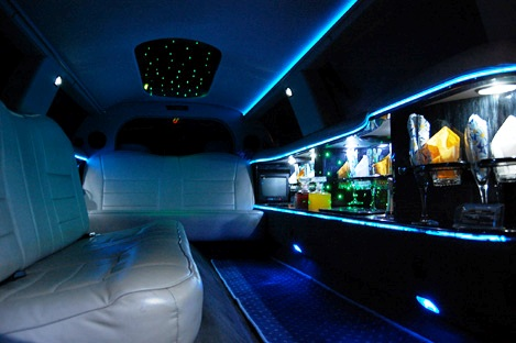 "White 10 pax Lincoln 120"" stretch                       limouisne hire Gdansk Sopot interior 1"